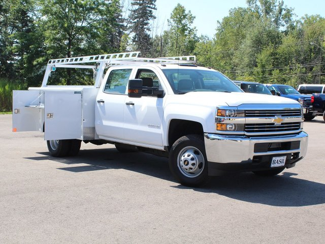 2018 Silverado 3500 Crew Cab DRW 4x4,  Reading Service Body #18C173T - photo 17