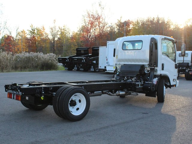 2018 LCF 4500 Regular Cab,  Cab Chassis #18C209T - photo 2