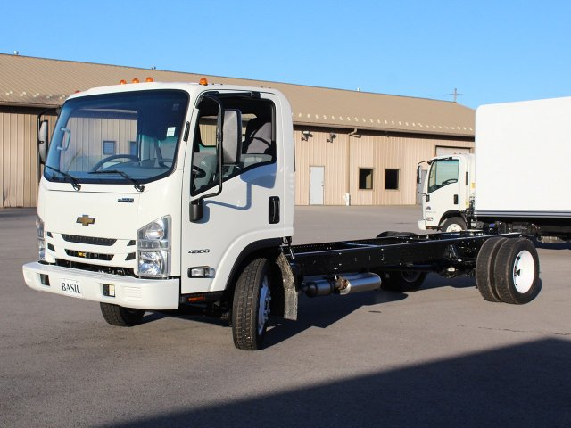 2018 LCF 4500 Regular Cab,  Cab Chassis #18C210T - photo 3