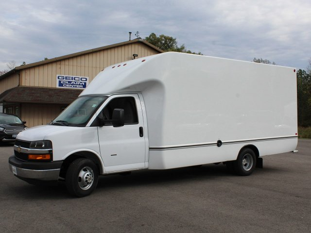 2018 Express 3500 4x2,  Unicell Cutaway Van #18C211T - photo 3