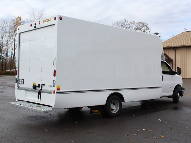 2018 Express 3500 4x2,  Unicell Aerocell Cutaway Van #18C214T - photo 2