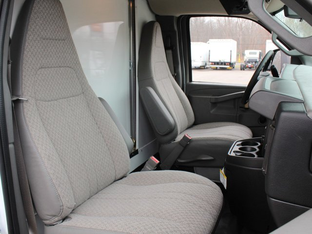 2018 Express 3500 4x2,  Cutaway Van #18C222T - photo 34