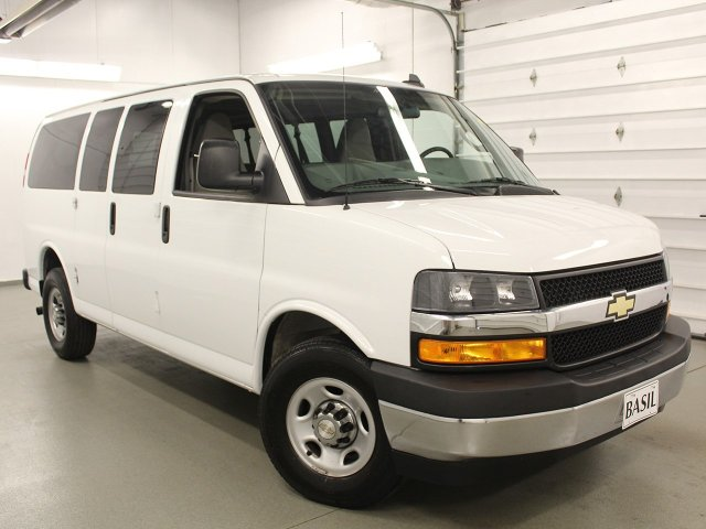 2018 Express 2500 4x2,  Passenger Wagon #S3883 - photo 3