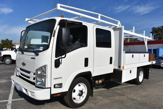 2017 Low Cab Forward Crew Cab 4x2,  Harbor Contractor Body #M171018 - photo 5