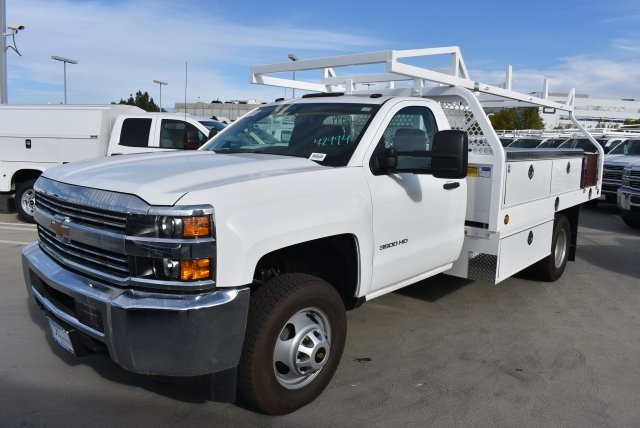 2017 Silverado 3500 Regular Cab DRW, Royal Contractor Bodies Contractor Body #M171146 - photo 4