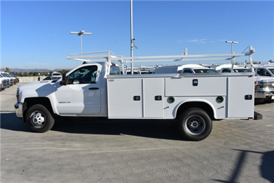 2017 Silverado 3500 Regular Cab DRW, Knapheide Standard Service Body Utility #M171262 - photo 6