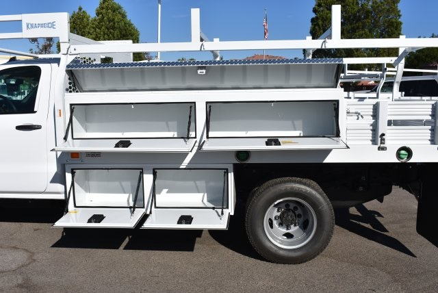 2017 Silverado 3500 Regular Cab DRW 4x2,  Knapheide Contractor Body #M171298 - photo 3