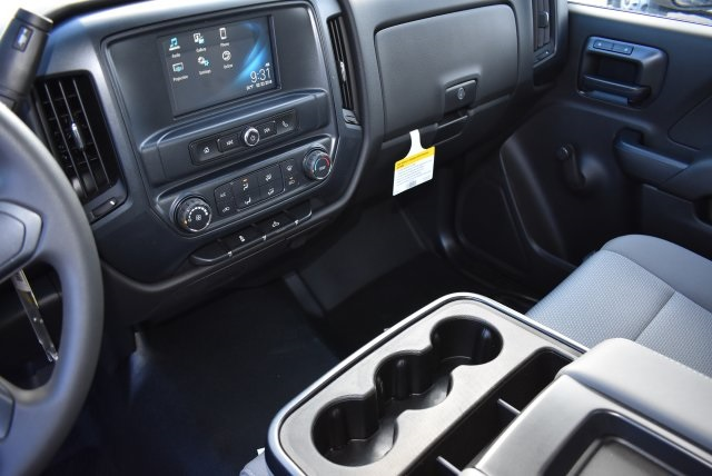 2017 Silverado 2500 Regular Cab 4x2,  Royal Utility #M171358 - photo 25