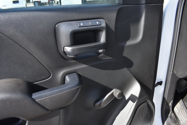 2017 Silverado 2500 Regular Cab 4x2,  Royal Utility #M171366 - photo 19
