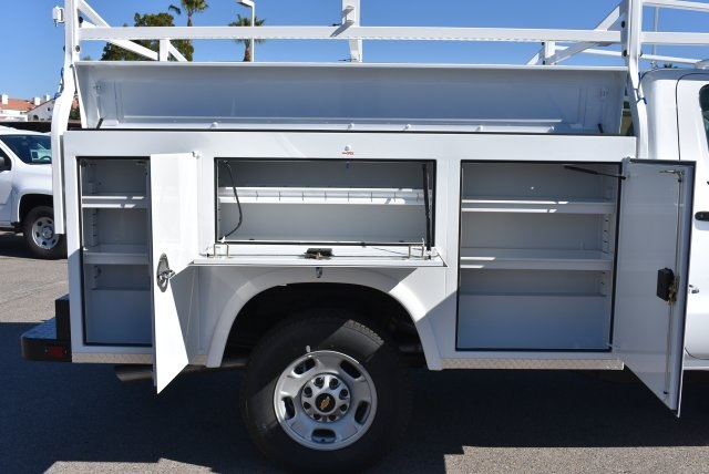 2017 Silverado 2500 Regular Cab, Royal Service Bodies Utility #M171385 - photo 10