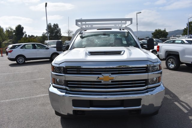 2018 Silverado 3500 Regular Cab DRW 4x2,  Royal Contractor Body #M18456 - photo 3