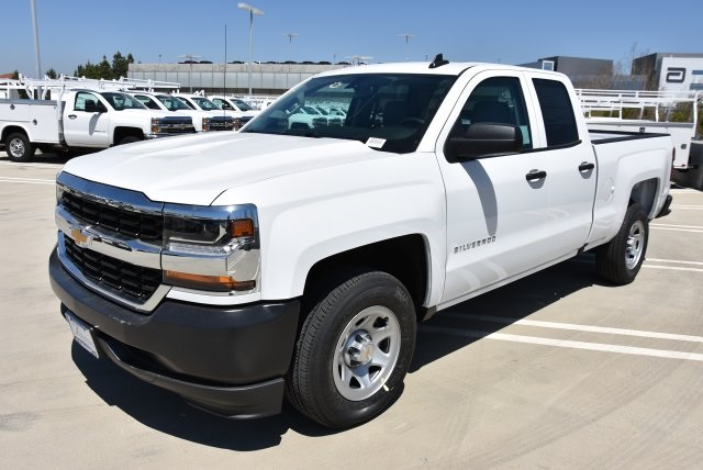 2018 Silverado 1500 Double Cab 4x2,  Pickup #M18501 - photo 5
