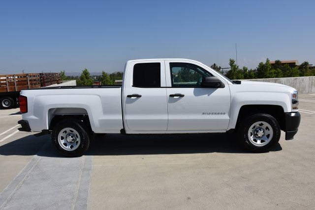 2018 Silverado 1500 Double Cab 4x2,  Pickup #M18607 - photo 9