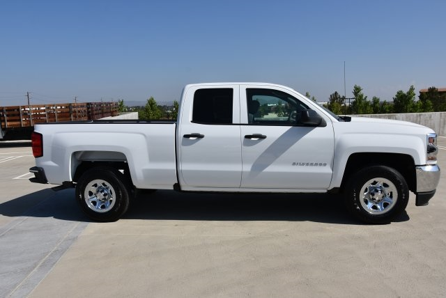 2018 Silverado 1500 Double Cab 4x2,  Pickup #M18617 - photo 9