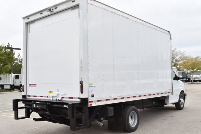2018 Express 4500 4x2,  Morgan Parcel Aluminum Straight Box #M18875 - photo 2