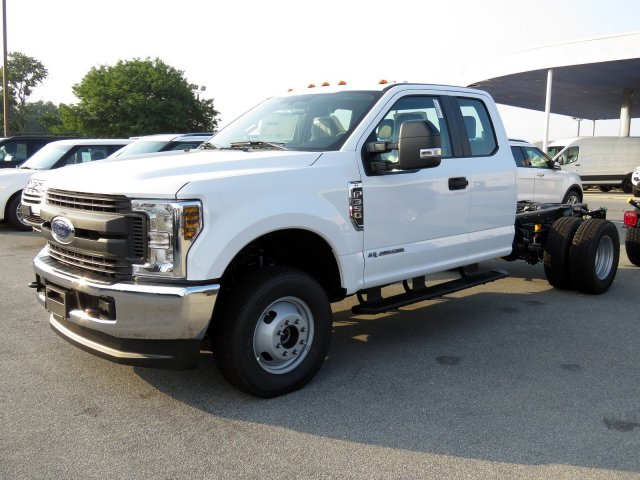 2019 F-350 Super Cab DRW 4x4,  Cab Chassis #KEC15320 - photo 3