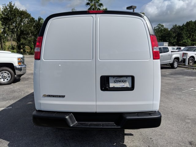 2018 Express 2500 4x2,  Empty Cargo Van #J1333293 - photo 4