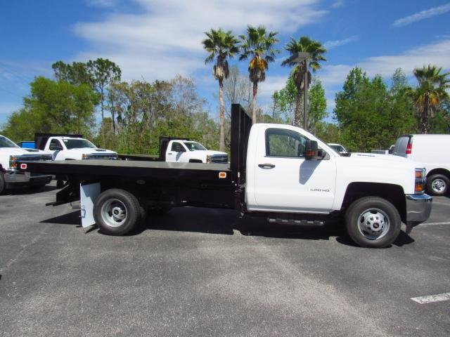 2018 Silverado 3500 Regular Cab DRW 4x4,  Knapheide Platform Body #JF136733 - photo 3