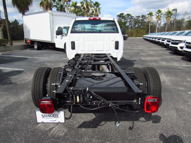 2018 Silverado 3500 Regular Cab DRW 4x4,  Cab Chassis #JF174639 - photo 3