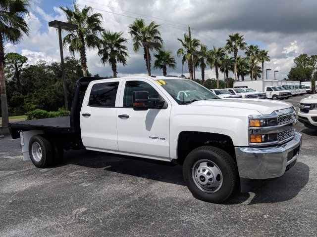 2019 Silverado 3500 Crew Cab DRW 4x4,  Platform Body #KF111048 - photo 5