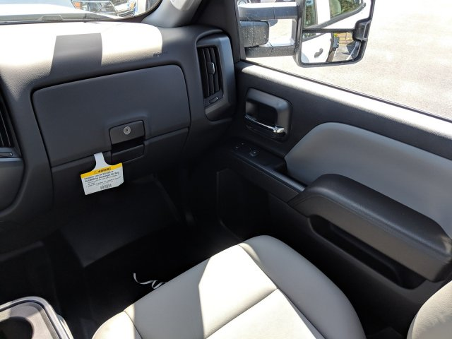 2019 Silverado 3500 Crew Cab DRW 4x2,  Platform Body #KF116642 - photo 16