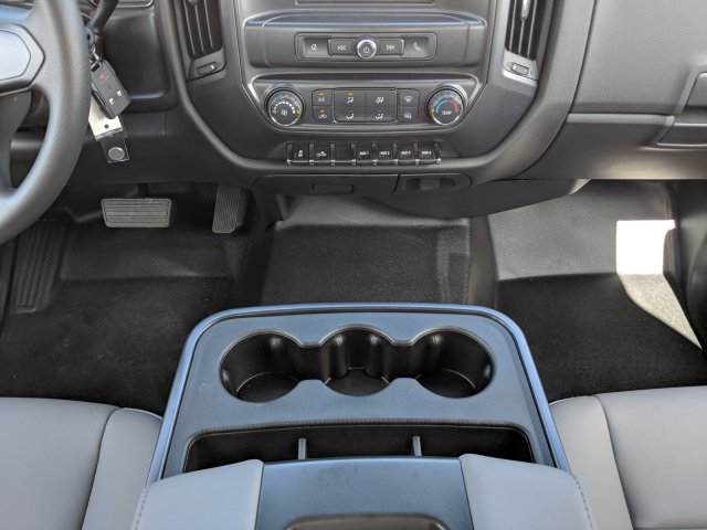 2019 Silverado 3500 Crew Cab DRW 4x2,  Platform Body #KF117668 - photo 18