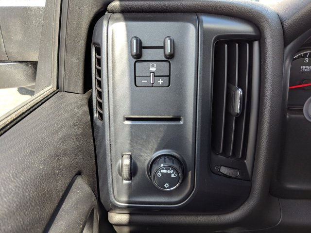 2019 Silverado 3500 Crew Cab DRW 4x2,  Platform Body #KF117668 - photo 22