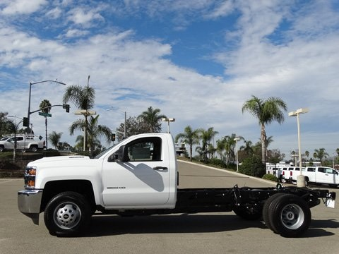 2018 Silverado 3500 Regular Cab DRW, Cab Chassis #180353 - photo 3