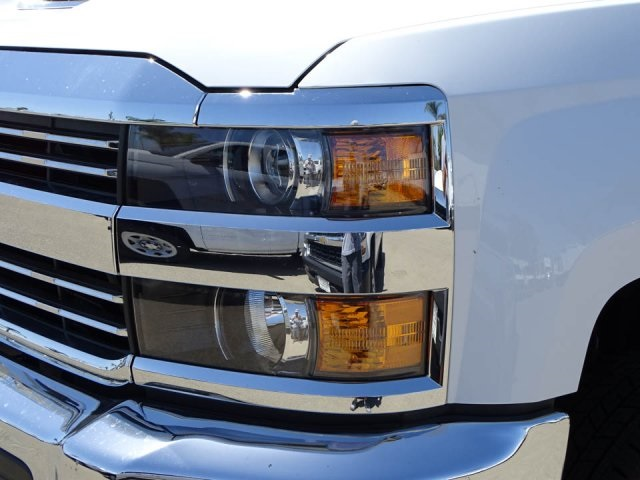 2018 Silverado 3500 Regular Cab DRW, Cab Chassis #180353 - photo 7