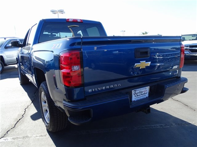 2018 Silverado 1500 Crew Cab 4x4, Pickup #180633 - photo 2