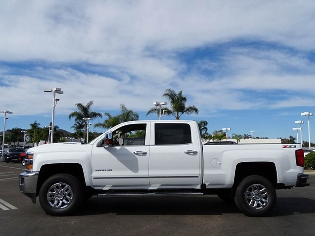 2018 Silverado 2500 Crew Cab 4x4, Pickup #180928 - photo 3