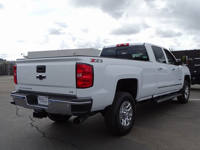 2018 Silverado 3500 Crew Cab 4x4, Pickup #181119 - photo 5