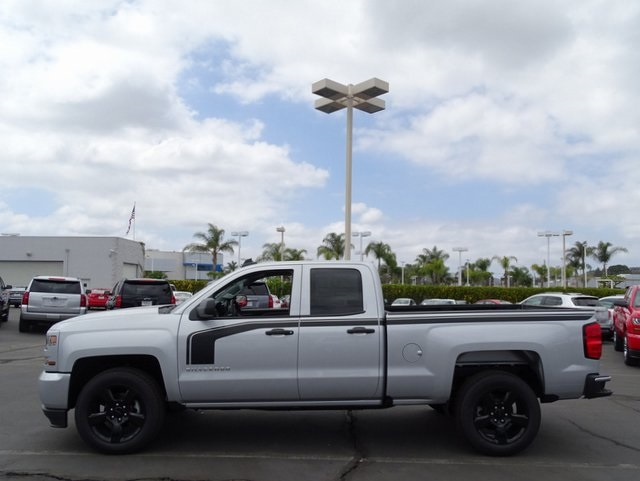 2018 Silverado 1500 Double Cab 4x2,  Pickup #181409 - photo 5