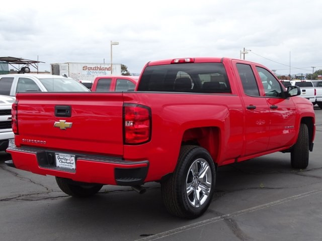 2018 Silverado 1500 Double Cab 4x2,  Pickup #181439 - photo 2