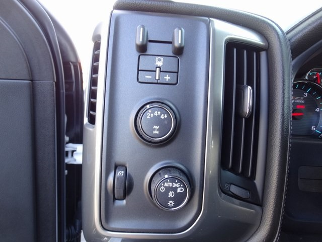 2018 Silverado 3500 Crew Cab 4x4,  Pickup #181723 - photo 19