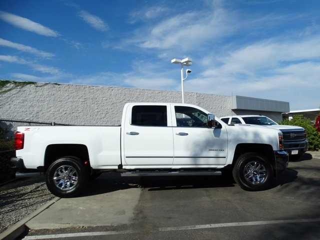2018 Silverado 3500 Crew Cab 4x4,  Pickup #181723 - photo 4
