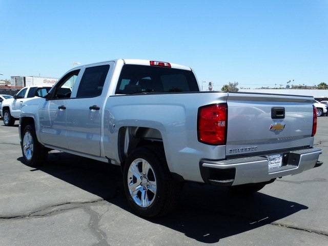 2018 Silverado 1500 Crew Cab 4x2,  Pickup #181735 - photo 2