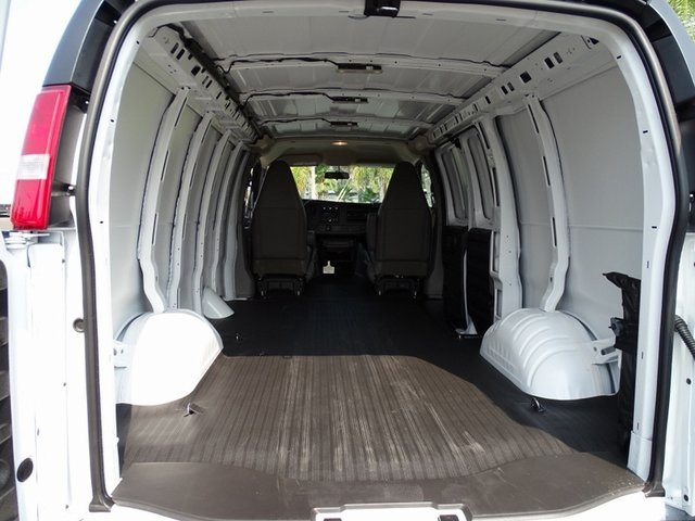 2020 Chevrolet Express 2500 4x2, Empty Cargo Van #201727 - photo 2
