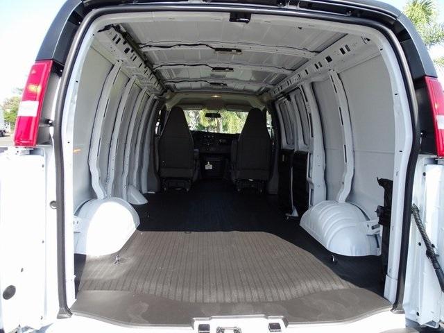 2020 Chevrolet Express 2500 4x2, Empty Cargo Van #201748 - photo 2