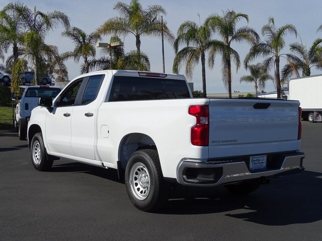 2021 Chevrolet Silverado 1500 Double Cab 4x2, Pickup #210790 - photo 1