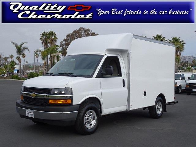 2021 Chevrolet Express 3500 4x2, Supreme Cutaway Van #210943 - photo 1