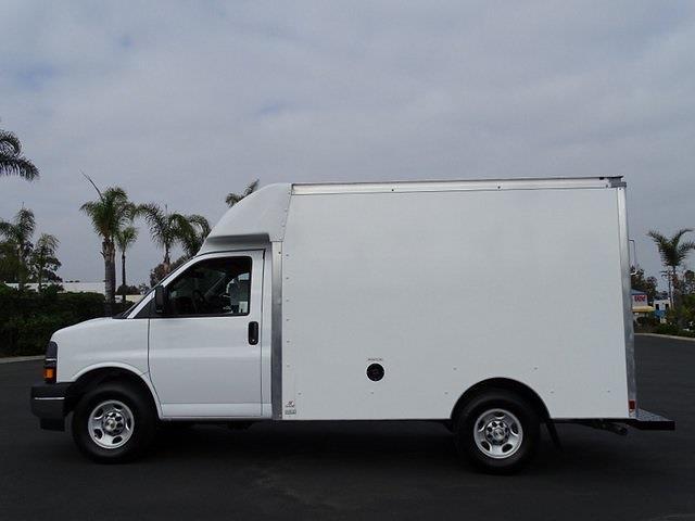 2021 Chevrolet Express 3500 4x2, Supreme Spartan Cargo Cutaway Van #210943 - photo 3