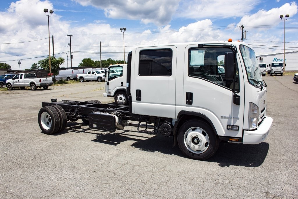2018 LCF 5500HD Crew Cab 4x2,  Cab Chassis #FK00446 - photo 3