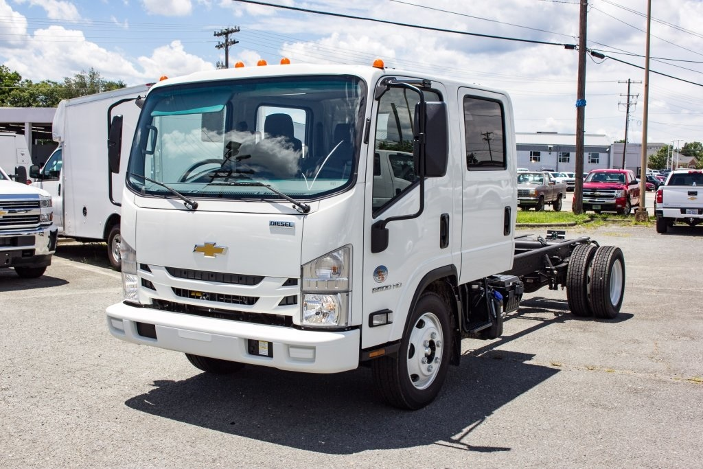 2018 LCF 5500HD Crew Cab 4x2,  Cab Chassis #FK00446 - photo 7