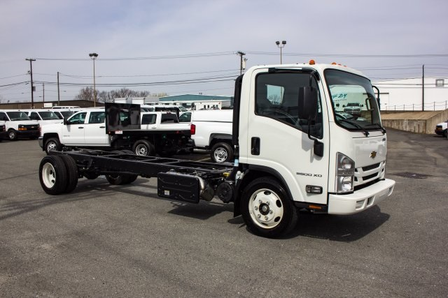 2017 LCF 5500XD Regular Cab 4x2,  Cab Chassis #FK02294 - photo 3