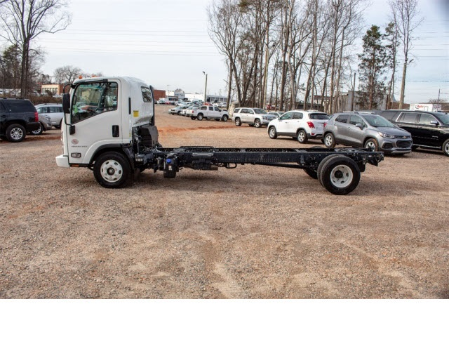 2017 LCF 4500HD Regular Cab 4x2,  Cab Chassis #FK2625 - photo 3