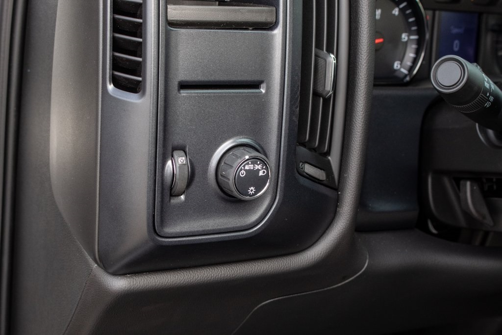2018 Silverado 1500 Regular Cab 4x2,  Pickup #FK3381P - photo 19