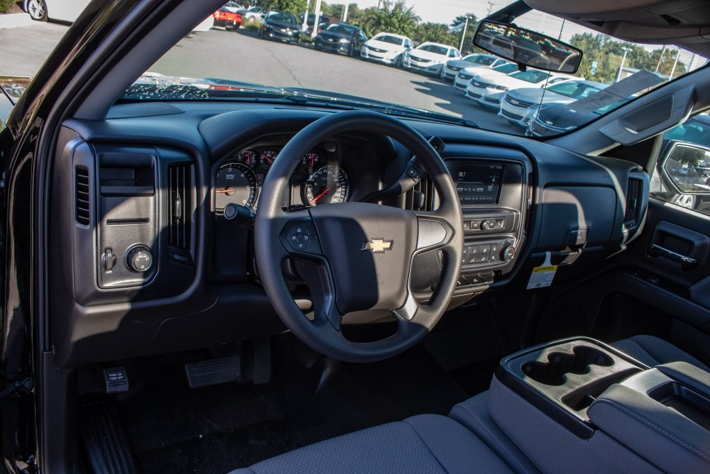 2018 Silverado 1500 Regular Cab 4x2,  Pickup #FK3923P - photo 15