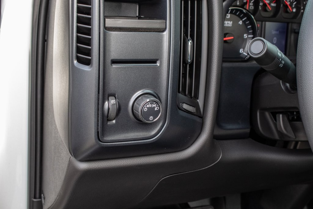 2018 Silverado 1500 Regular Cab 4x2,  Pickup #FK5461P - photo 19