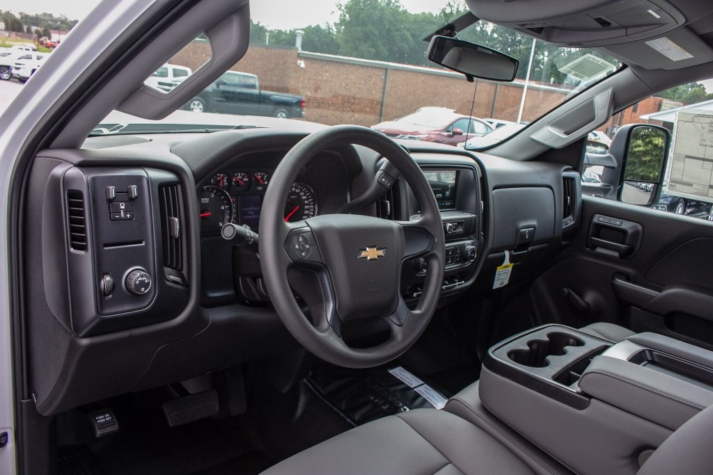 2018 Silverado 3500 Regular Cab DRW 4x2,  Monroe Platform Body #FK6007 - photo 4